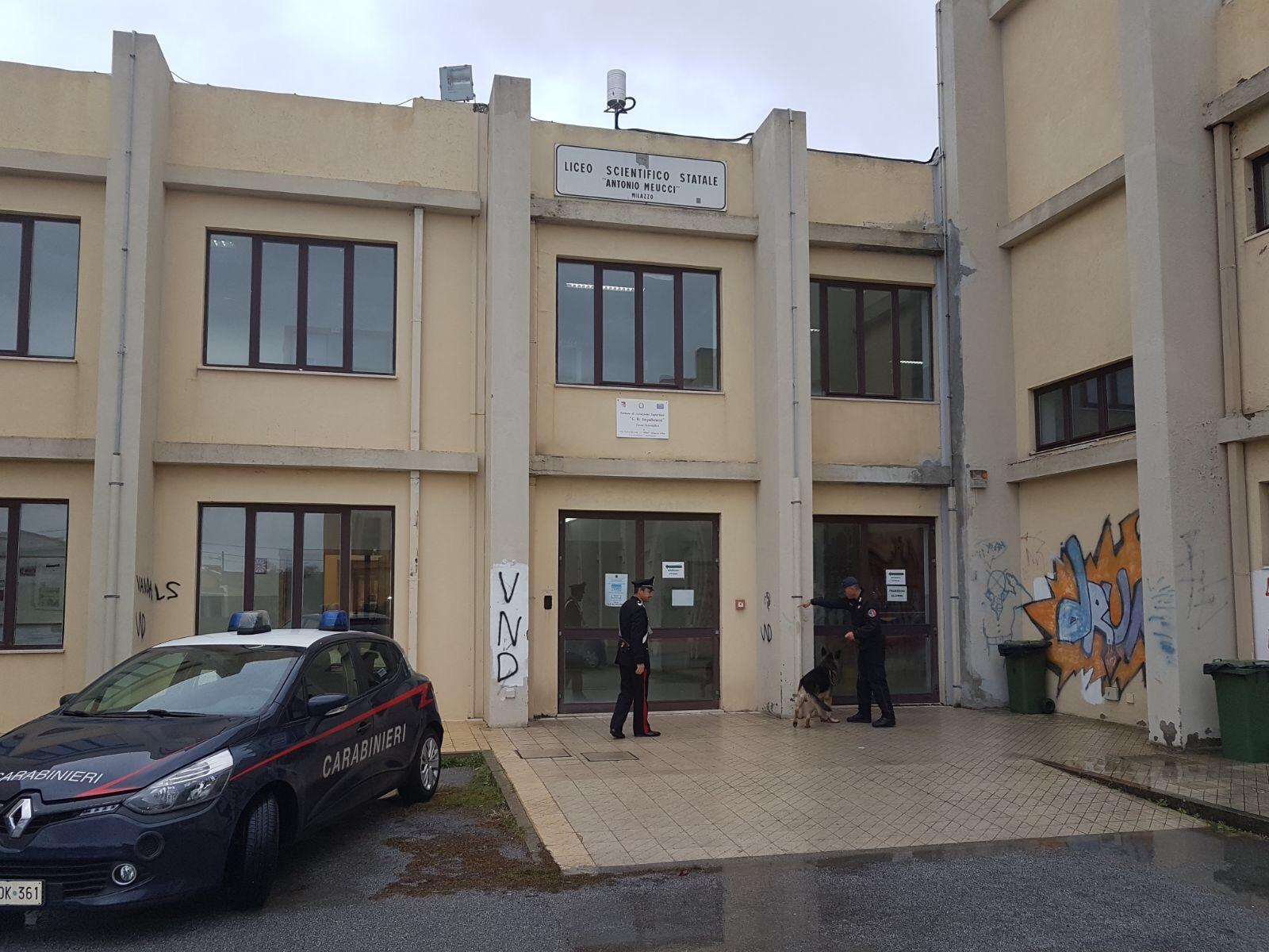 CARABINIERI: Controlli al Liceo Scientifico Statale di Milazzo